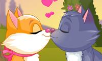 Котик и кошечка целуются – 3